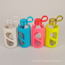 custom dishwasher safe fruit glass water bottle with silicone sleeve